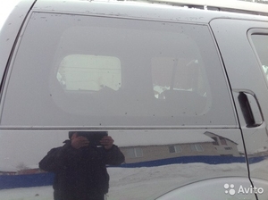 Стекло двери глух. на Nissan Pathfinder 2005 г