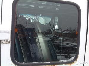Стекло задней левой двери на Пежо Боксер 1995